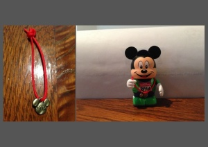 2014 runDisney green Mickey Vinylmation with WDW Marathon Weekend mini medal.